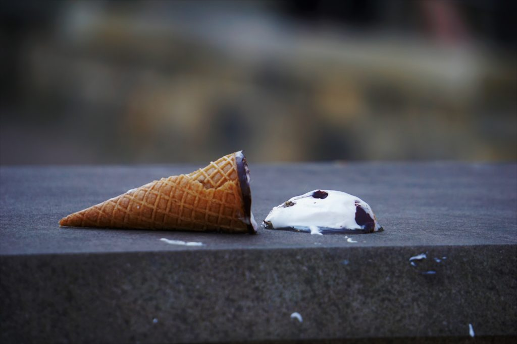 Spilled ice cream cone symbolizes the #1 mistake attorneys make when crafting headlines for their thought-leadership marketing content